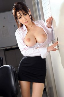 Asian girls: Busty pictures