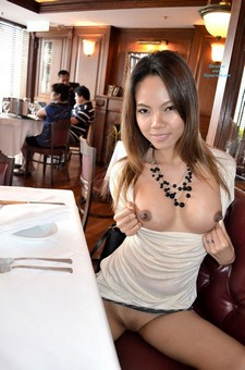 Shopping, dining & flashing in Hong Kong