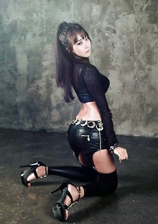 Sharing with you in this post a photo pack of Korean model Park Hyun Sun, posing..