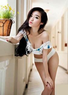A complete picture pack of highly popular Elly Tran Ha, aka Wan Kim Hong. Elly Tran Ha..