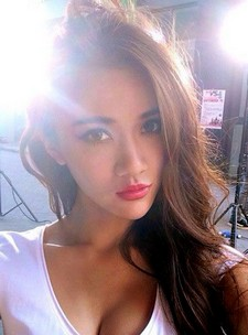 A mini update on Chinese model Wang Xi Ran in this post. There are some sophisticated..