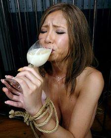 Sumire Matsu drinking cum gokkun.