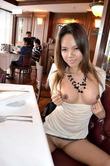 Shopping, dining & flashing in Hong Kong