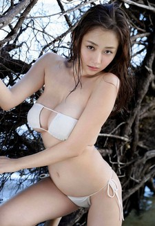 Continuing to share with you more YS Web photo shoots of Japanese gravure idol Anri..