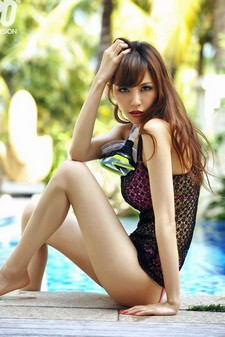 This is a photo update post of gorgeous Chinese babe Ye Zi Xuan. We have mostly here Ye..