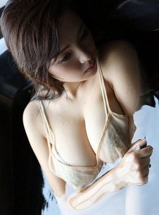 This is the first mini picture update pack of popular Japanese idol Ai Shinozaki. Enjoy,..