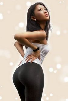 Sexy asian ass in yoga pants.